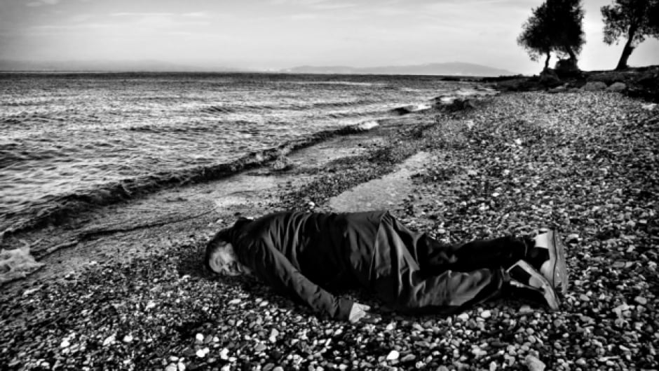 In a controversial portrait, Chinese artist Ai Weiwei has recreated the game-changing photo of drowned Syrian toddler Alan Kurdi.