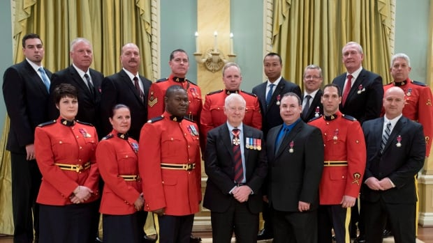 16 members of the RCMP and Parliamentary Protective Service were honoured with medals of bravery from Governor General David Johnston at Rideau Hall.