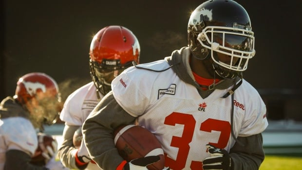 After playing two regular season and two playoff games for Calgary, running back Jerome Messam who topped 1,000 yards rushing, has re-signed with the Stampeders.