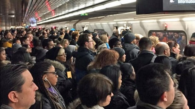 A twitter user captured this shot of a crowded subway platform along Line 1.