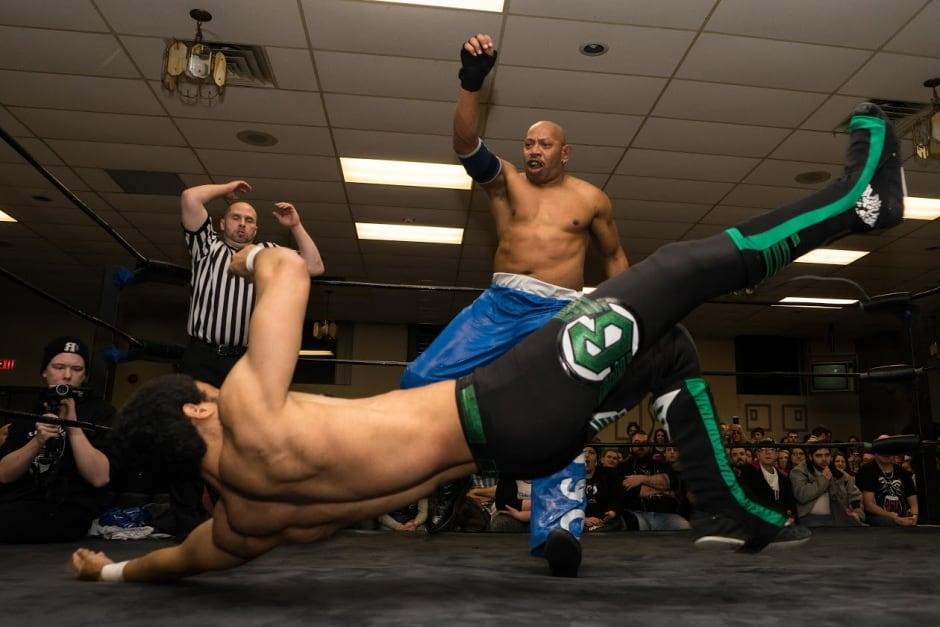 wrestling ottawa indie