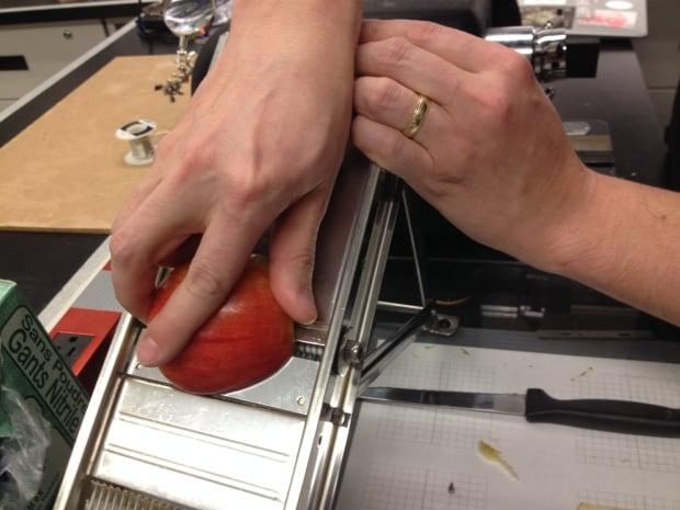 andrew pelling mandoline apple slice
