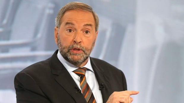 The students are asking that NDP Leader Tom Mulcair be replaced and that the party to return to its leftist roots.