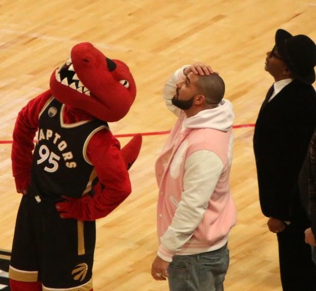 Toronto dunk contest Drake