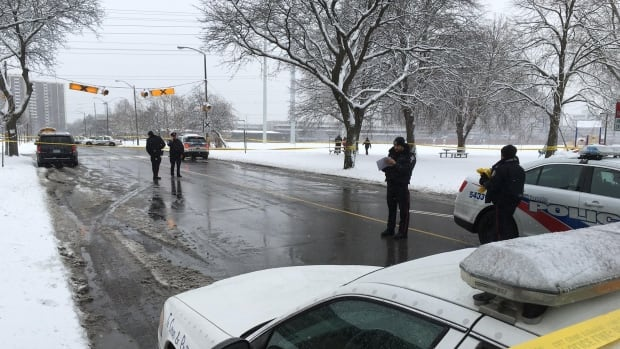 Toronto police are investigating a shooting on Vendome Place near Grenoble Drive, located in the Don Valley Parkway and Eglinton Avenue East area, that sent a man who was shot multiple times to hospital on Tuesday afternoon.