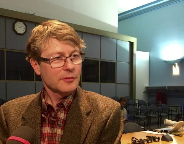 Environment committee chair David Chernushenko