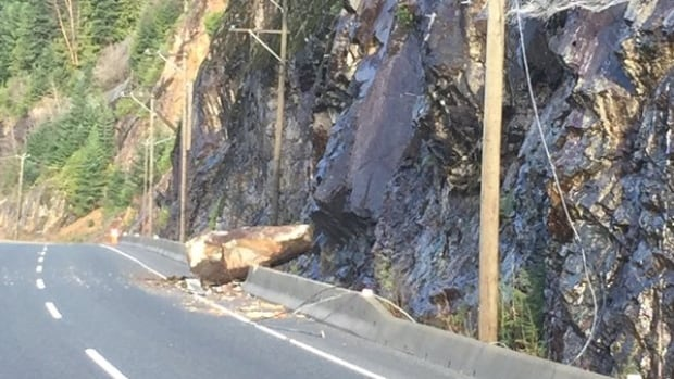 A small rockslide on Highway 99 north of Horseshoe Bay blocked traffic on Tuesday afternoon.
