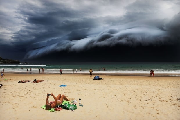 World Press Photo 2016 Nature winner Storm Front on Bondi Beach