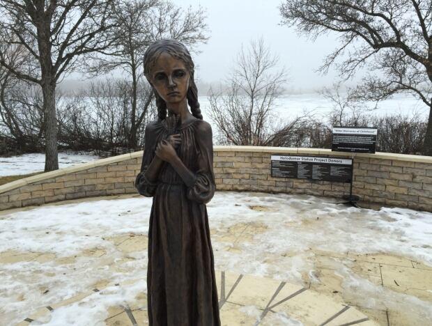 statue-holdomor-01.jpg