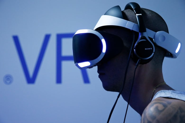 Virtual reality: The difference between a $20 and $1,100 VR