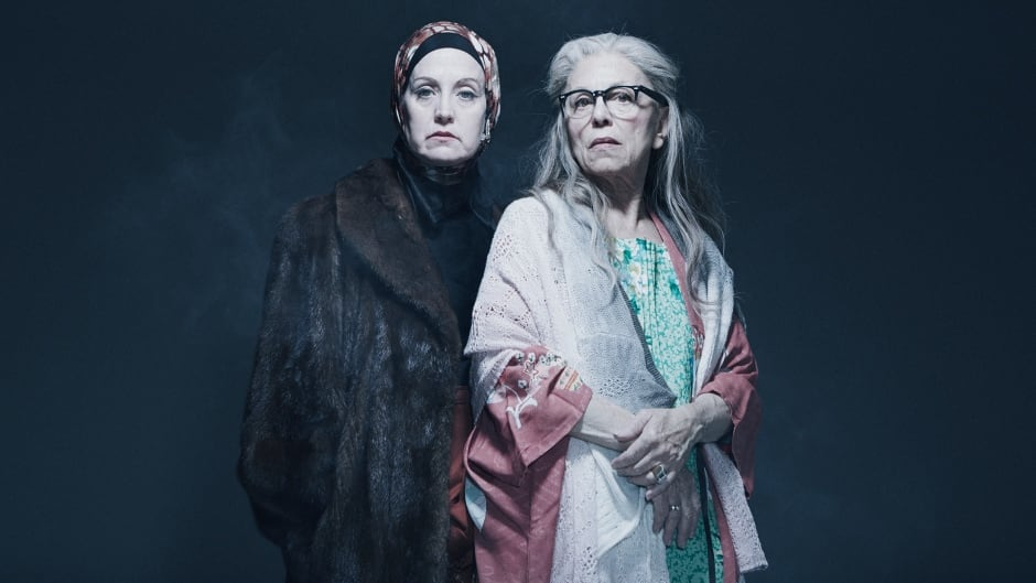 Toronto stage performer Lisa Horner plays both Edies in a new production of Tony Award-winning Grey Gardens: The Musical.