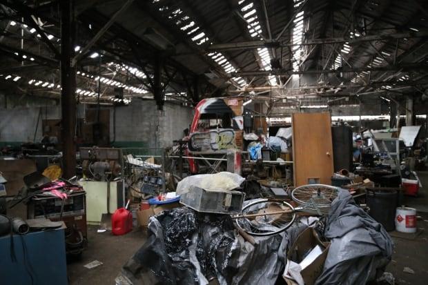 Packard-warehouse-inside