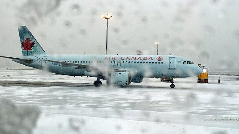 8ef4fff5d0d4 Dozens of flights delayed