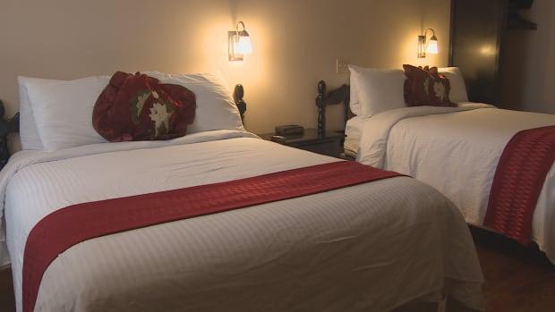 si-hotel-room