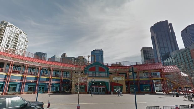 A lot of thought went into the original market. It was going to be the jewel in Calgary's crown ... what with being on the banks of the Bow River, just off Prince's Island park, on the path system, and in the heart of the city.