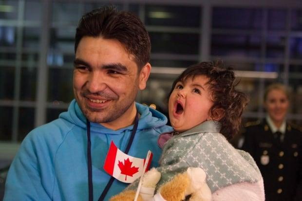Syria Refugee Arrival 20151218