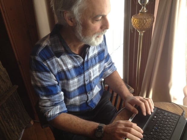Dwight Yachuk Ottawa federal public service worker Val-des-Monts works from home