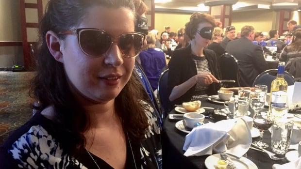 'Dining in the Dark' in Saskatoon raised money for CNIB's rehabilitation programs.