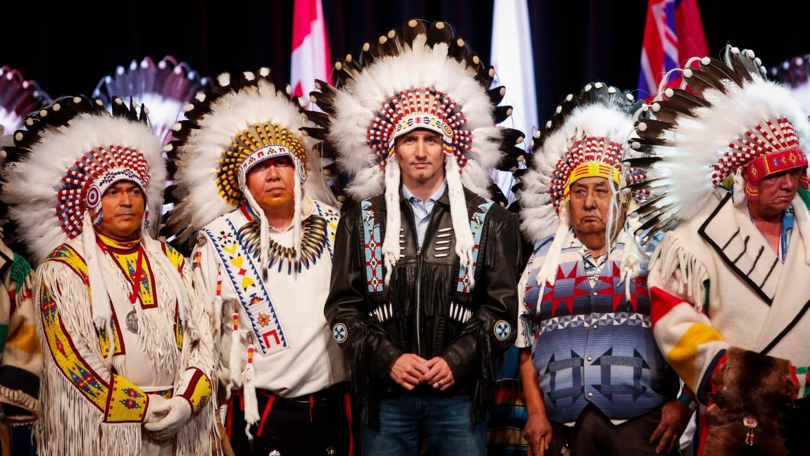 ab-mikisew-cree-supreme-court-ruling-20181011.jpg  |People Canada First Nation Manitoba Ahbee