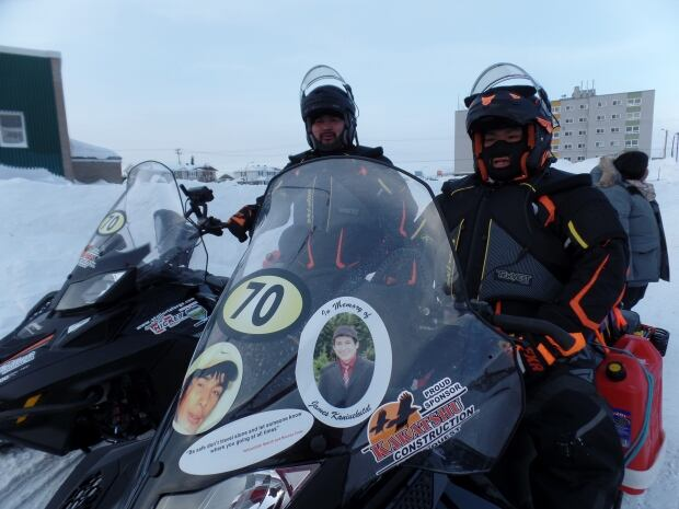 Cain's Quest 2016 Team Innu snowmobilers