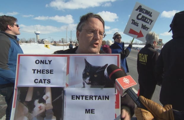 Papanack Zoo closure protest Sunday Wendover Ottawa March 6 2016