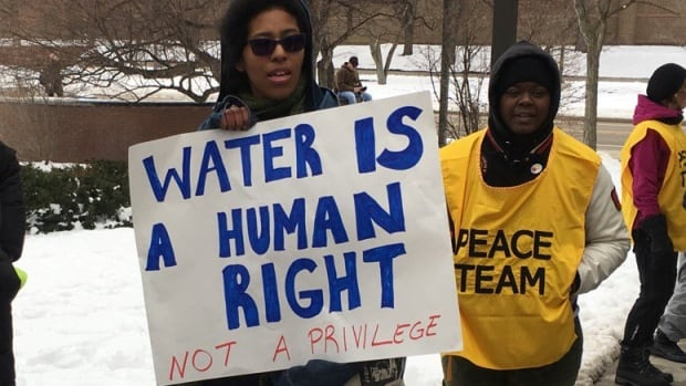 Flint Water Crisis Takes Centre Stage Before Democratic