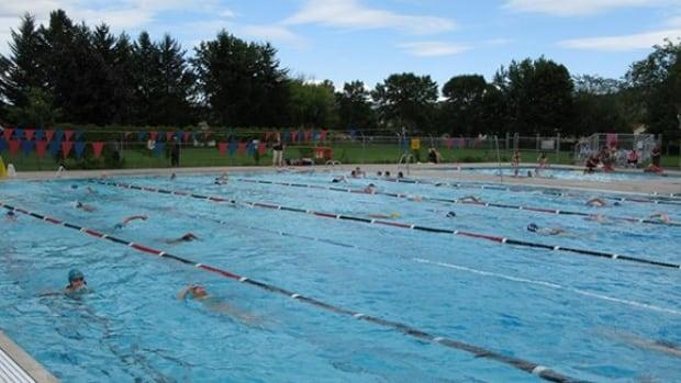 Kamloops Tsunami Summer Swim Club Urges City To Keep Brock Pool Open Cbc News