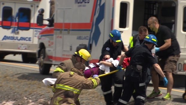Ambulance operators say while 800 emergency responders now work in the province, another 300 or so are needed.