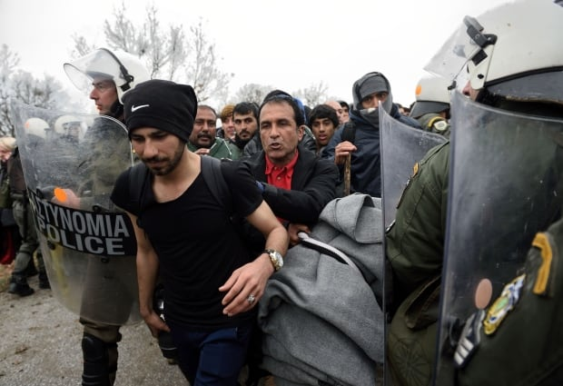 Refugees fleeing Idomeni camp detained March 14 2016