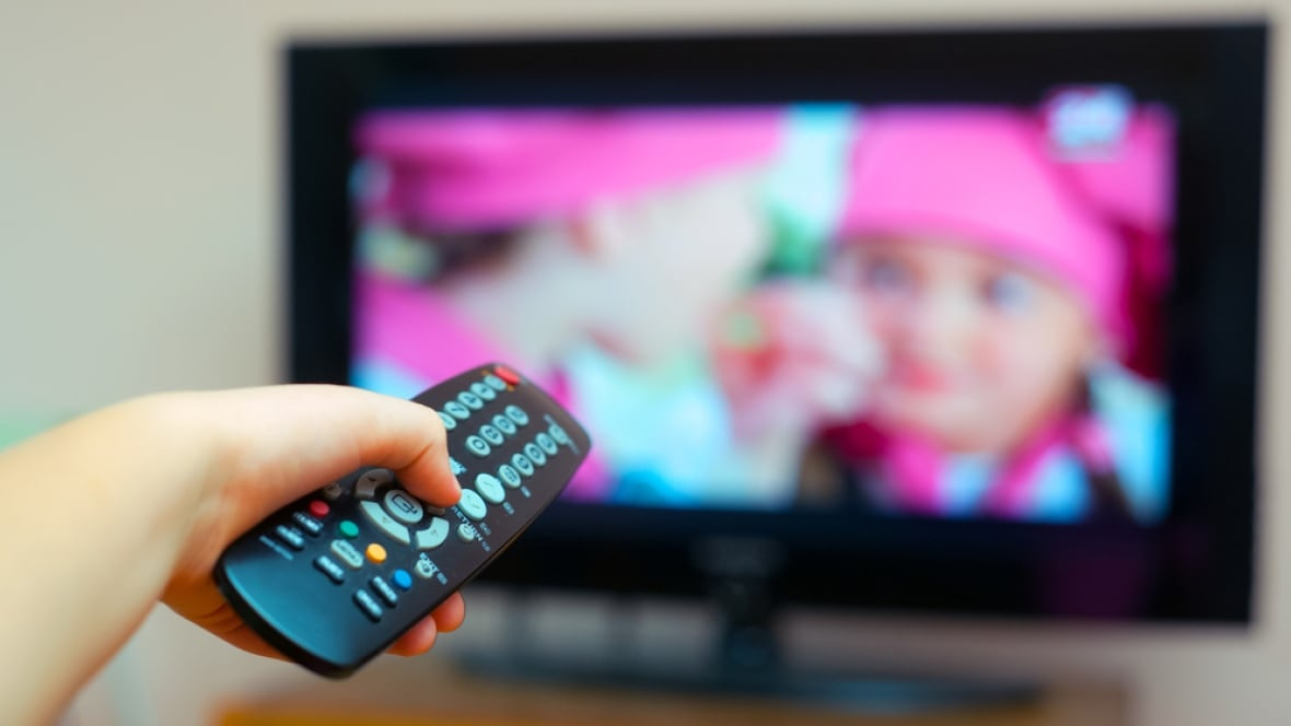 Tv Subscribers Dwindling But Prices Rise Crtc Data Shows