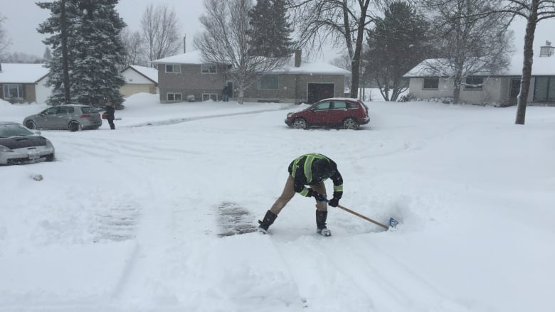 Winter storm expected to bring snow, poor travel conditions