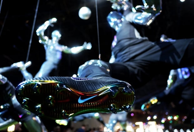 Nike sports boot cleats technology