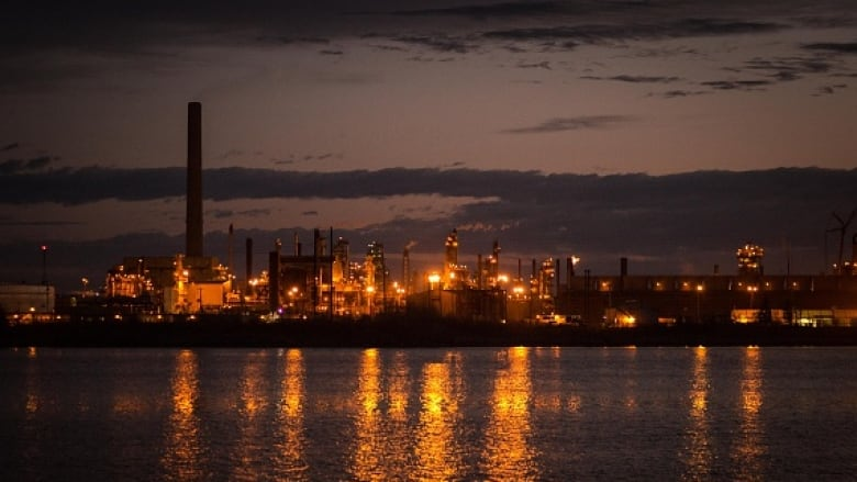 1,000 unionized oilsands camp jobs lost and more to come: Trade union