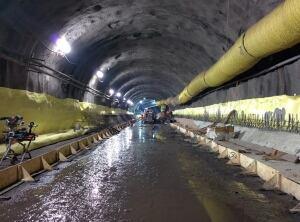 LRT tunnel parliament ottawa station