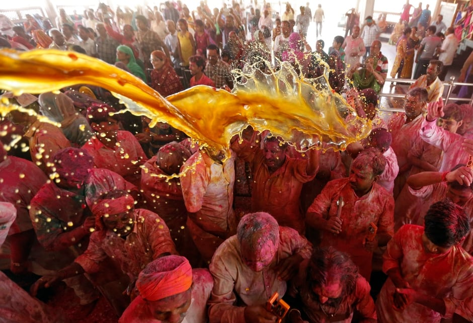 Holi 2016 Ahmedabad street celebrations March 23