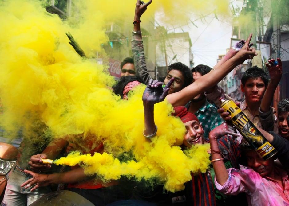 India Holi Festival Jammu March 23 2016