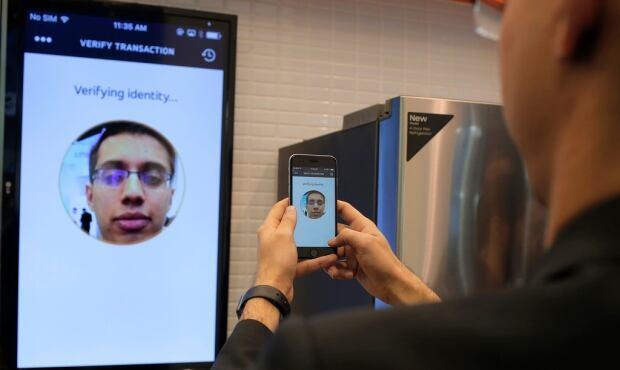 MasterCard Selfie Pay 01