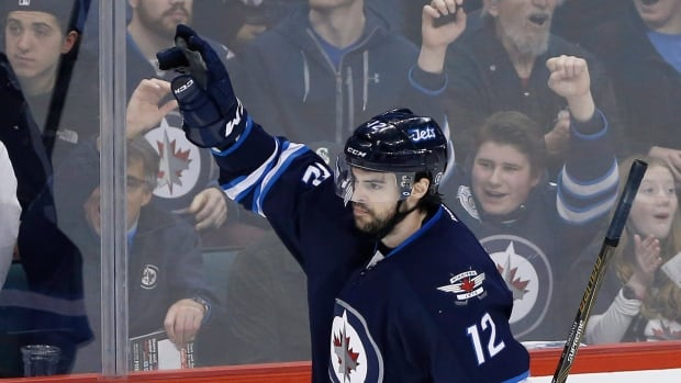 Jets Trade Drew Stafford to Boston Bruins
