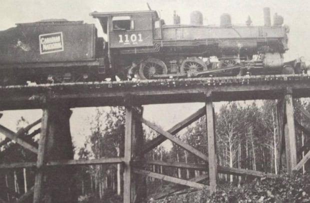 1929 image of train bridge