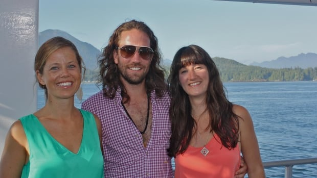 Kristin Johnston (right) with her brother Michael and sister Kim in a photo posted to her Facebook page.