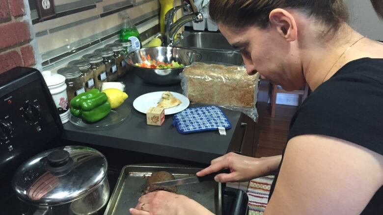 Syrian refugee starts catering business in Calgary (CBC, April 2/16).