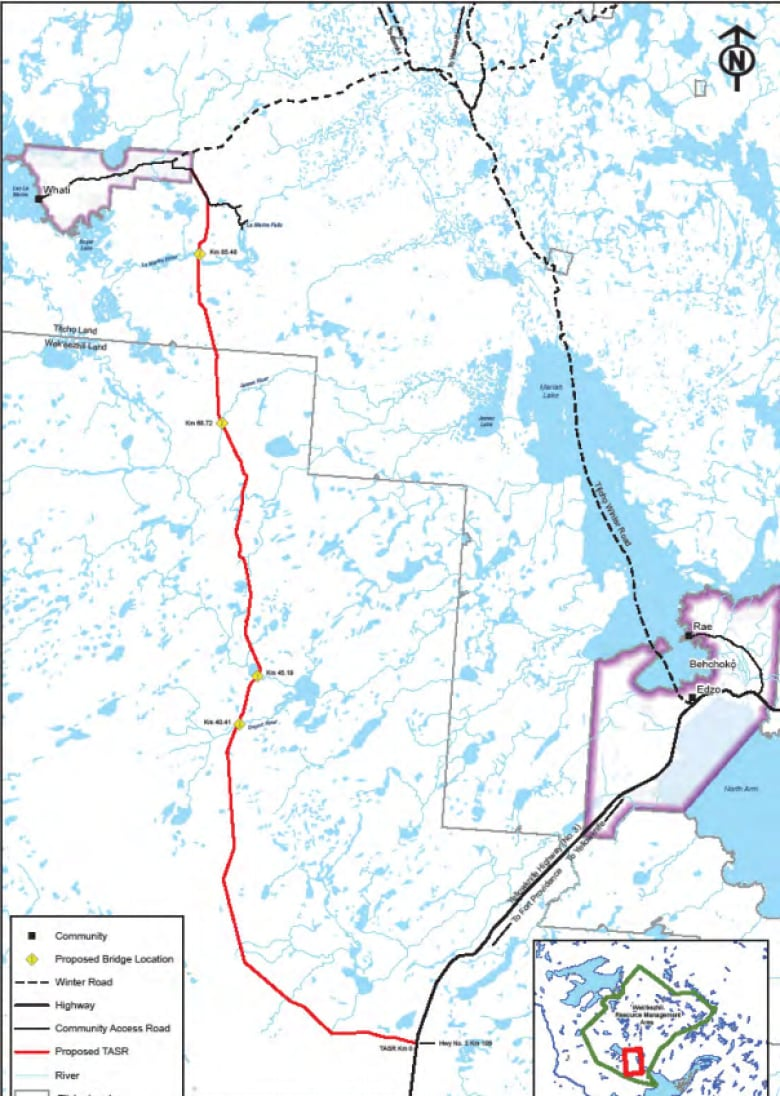 N.W.T. continues down $150M road to Whati   CBC News on ice road nwt map, yellowknife nwt map, yellowknife and hay river, yellowknife alaska, yellowknife northwest territories map,