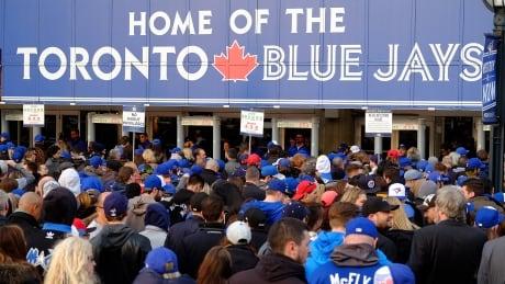Toronto Blue Jays fans