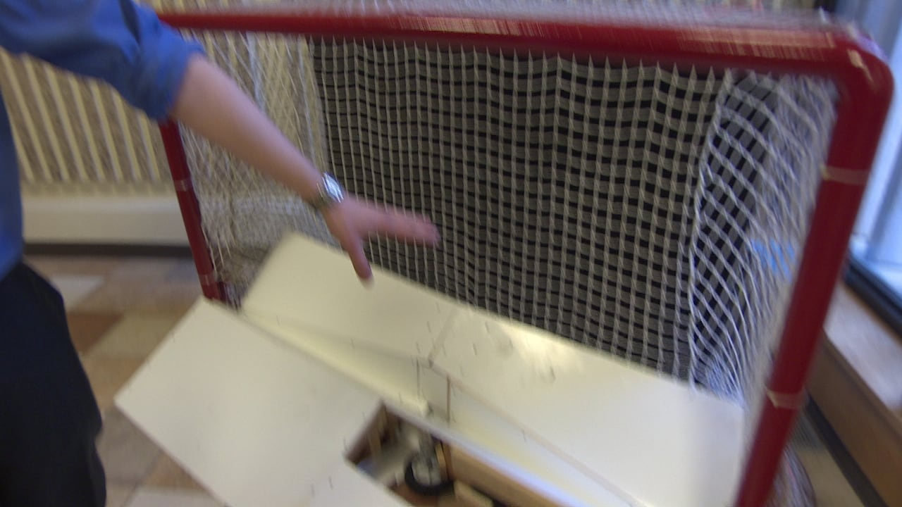 Puck return device solves the solo hockey practice dilemma | CBC News