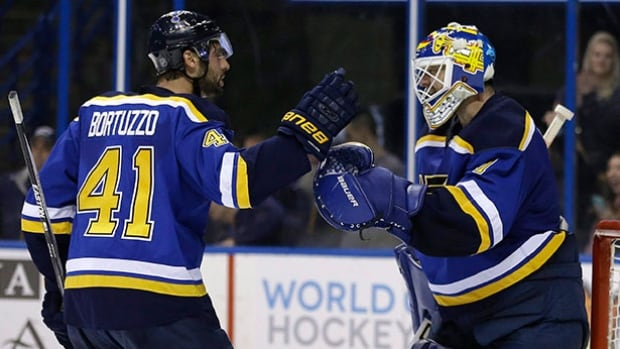 St. Louis Blues goalie Brian Elliott will start Game 1 of the Blues' first-round playoff series against the Chicago Blackhawks.