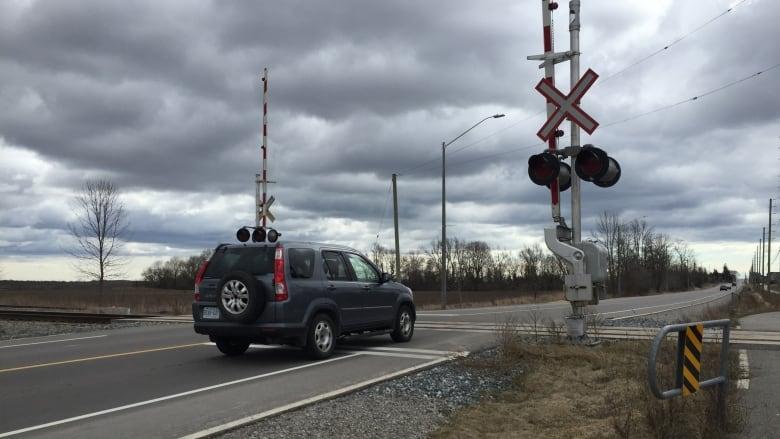 Cbc news reveals list of rail crossing dangers near guelph for 9 kitchener street trafalgar