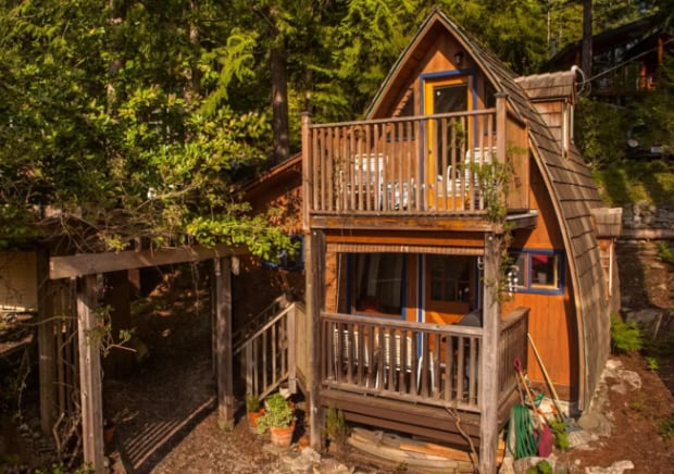 Airbnb-Tuwanek