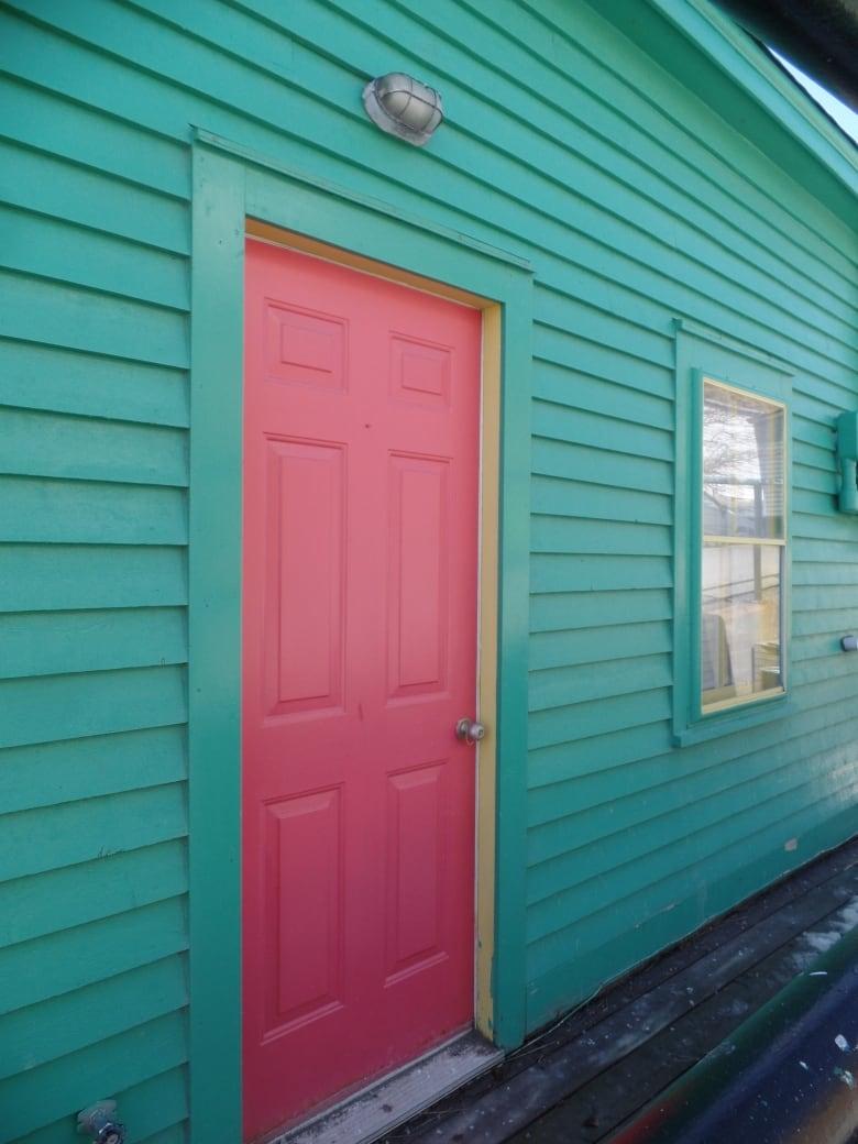 FashioNL: Got rainbow? St. John\'s wackiest house colours | CBC News