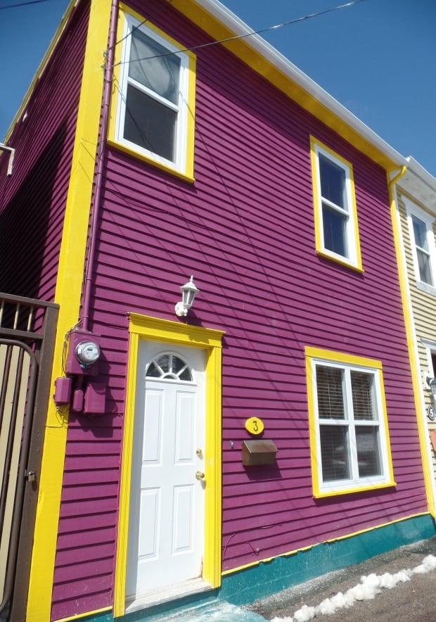 Fashionl got rainbow st john 39 s wackiest house colours for Newfoundland houses