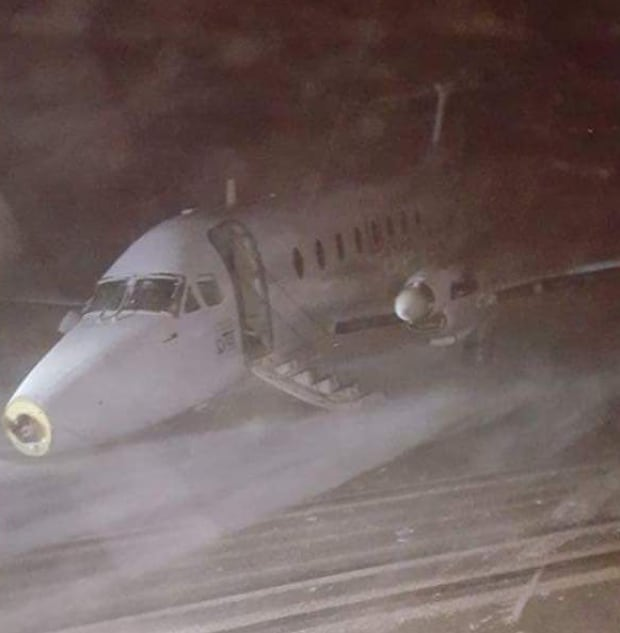 gander plane crash landing